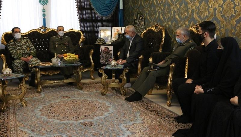 سرلشکر موسوی با خانواده شهید جلیلوند دیدار کرد