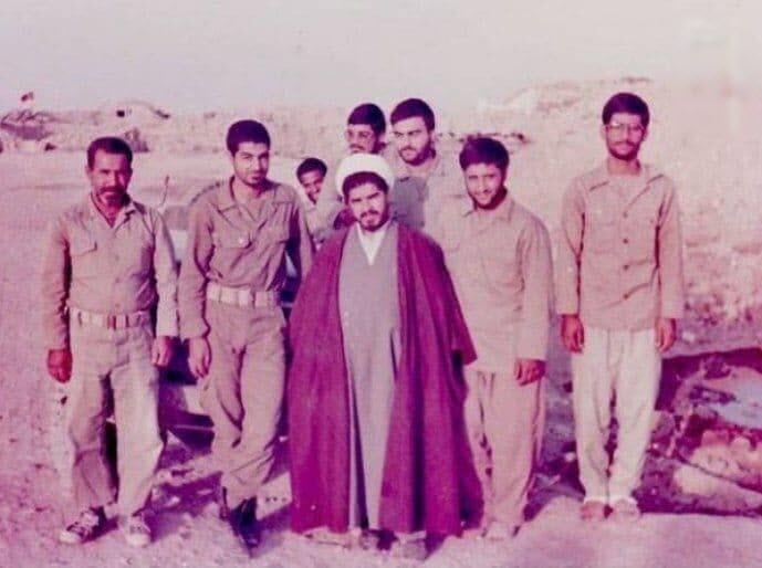 عکسی خاطره انگیز از حجت الاسلام راستگو در کنار شهید سلیمانی