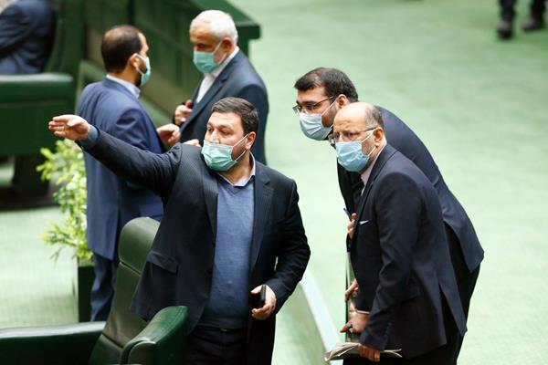 مجلس مخالف حذف نظامیان از انتخابات ریاست جمهوری شد