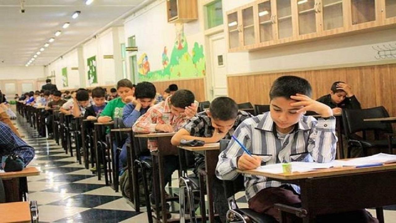آموزش ترکیبی دانش آموزان سمپادی در ایام کرونا