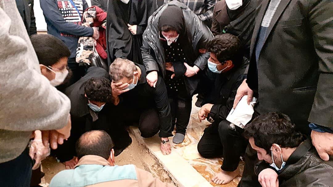 برگزاری مراسم خاکسپاری «حاج محمد خادم» در جوار حرم امام رضا (ع)