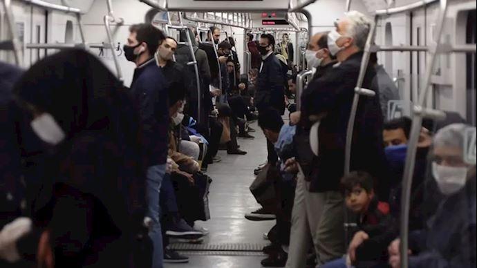 حال و هوای مترو تهران در تعطیلی ۲ هفتهای چگونه است؟ / مترو تهران؛ پناهگاهی برای مردم در اینروزهای تعطیل! /حال و هوای مترو تهران در اولین هفته تعطیلی/