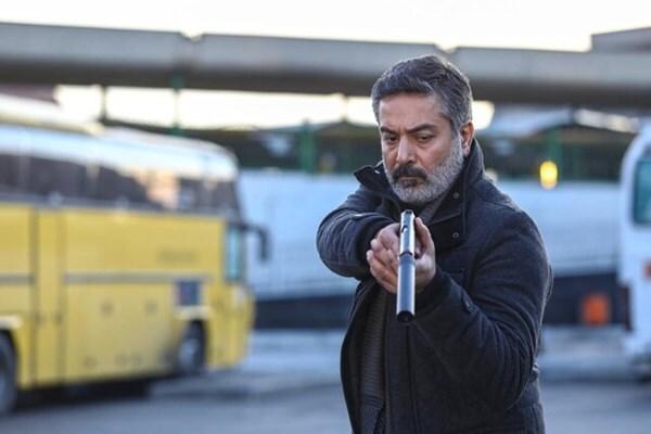 نیت عجیب آقای کارگردان از صحنه جنجالی تیراندازی به خاوری / معظمی: کلیت قصه از پروندههای واقعی است