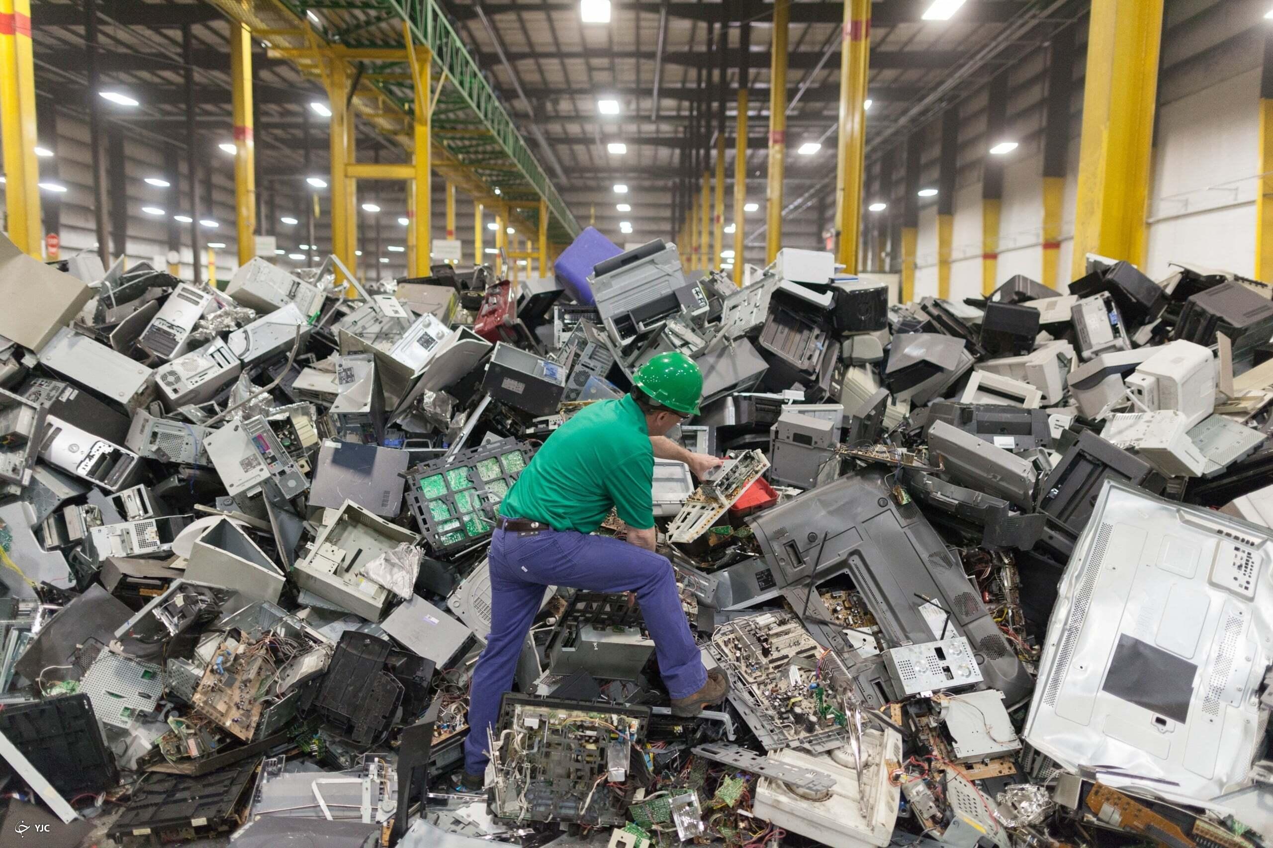 طمع غولهای فناوری و بحران زبالههای الکترونیکی