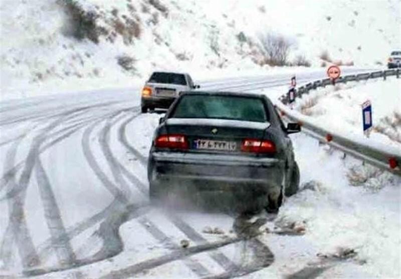 رانندگان مراقب لغزندگی جادهها باشند