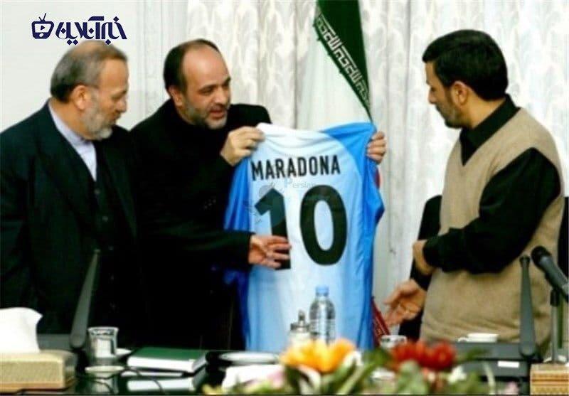ماجرای پیراهنی که به جای موزه به احمدی نژاد رسید!