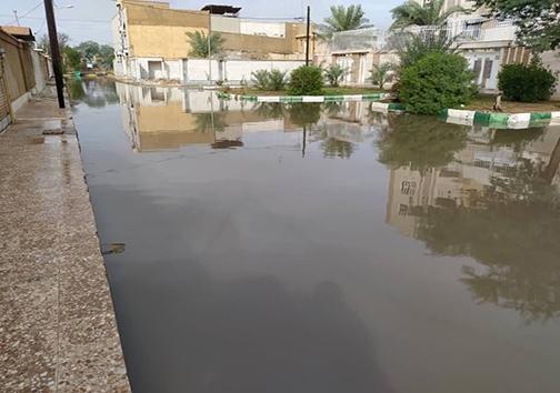 جولان آب در خیابان های اهواز/ تلاش برای دفع آبهای سطحی ادامه دارد