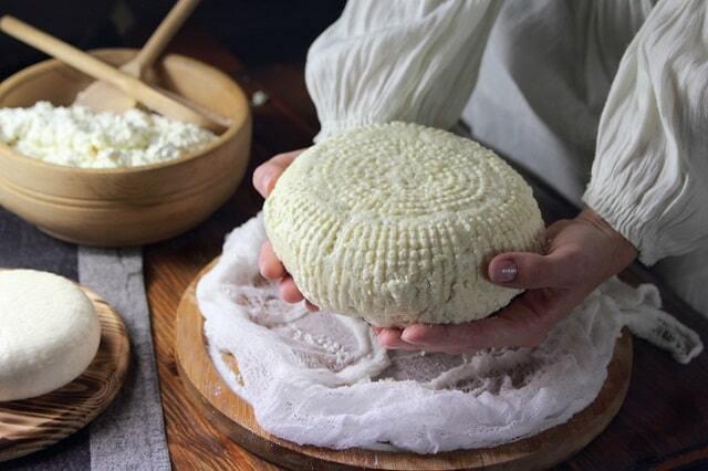 طرز تهیه پنیر خانگی سالم و خوشمزه و پنیر لیقوان به چند روش مختلف