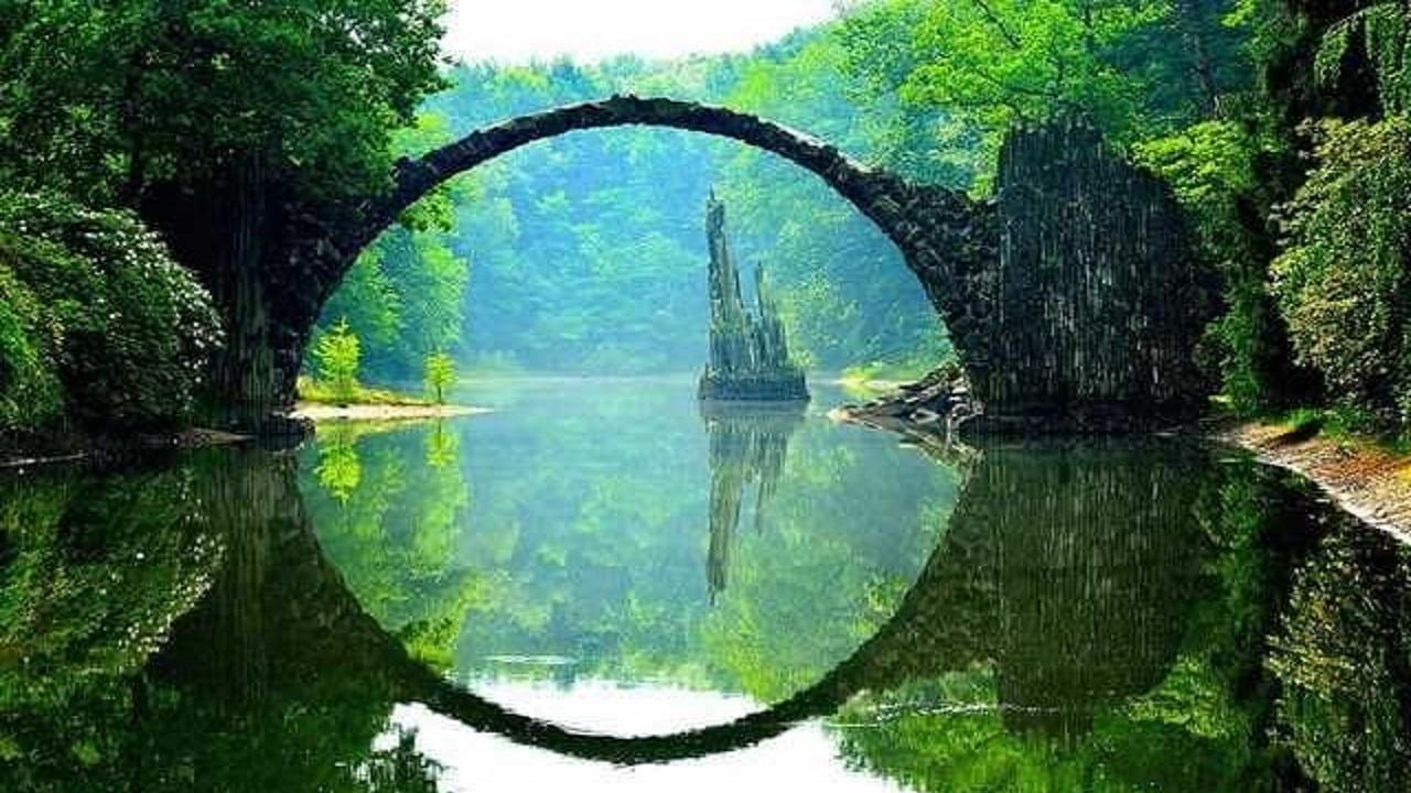 تصاویر جادویی از مکانهای رازآلود جهان/ گردشگران بیشتر به کدام نقاط در دنیا میروند؟