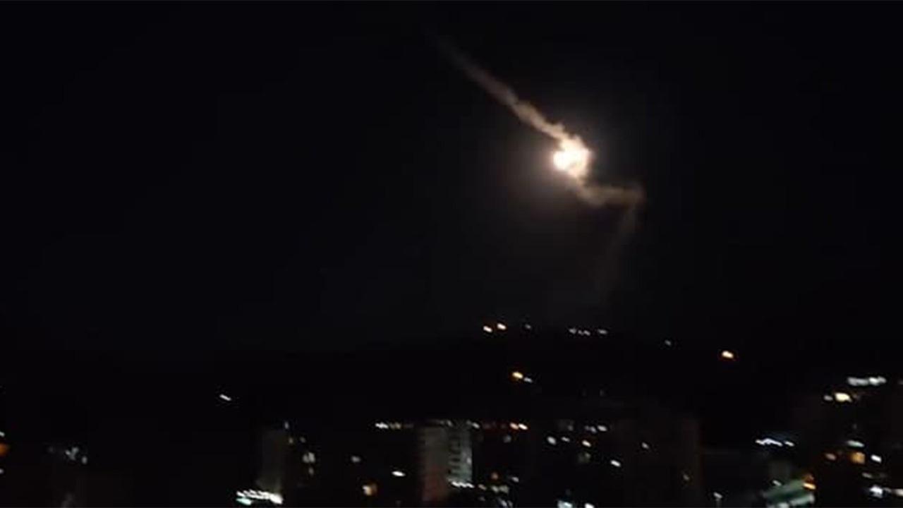 شیطنت دوباره اسرائیل در آسمان دمشق کار دستش داد/ مقابله پدافند هوایی سوریه با حمله صهیونیستها