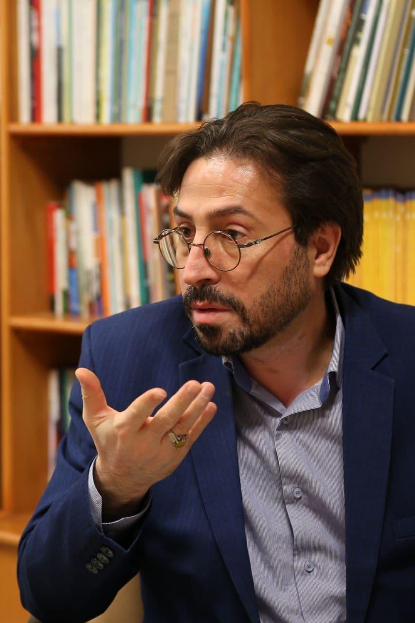 هنر انقلاب اسلامی باعث ماندگاری اندیشهها میشود/ چرا در این ۴ دهه فقط یک آوینی پرورش دادیم؟