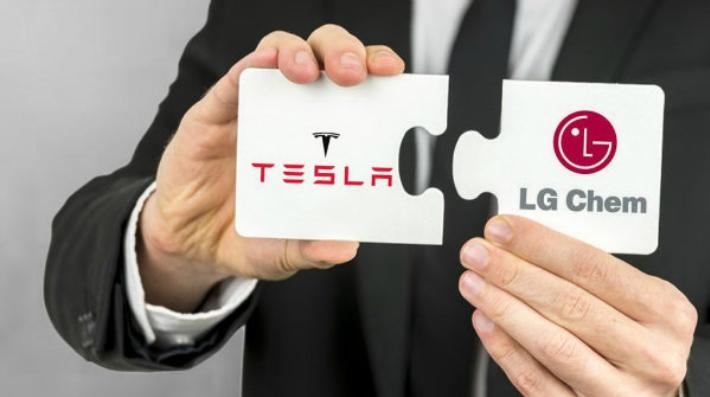 LG با خروج از بازار تلفن همراه قصد ورود به صنعت خودروسازی را دارد