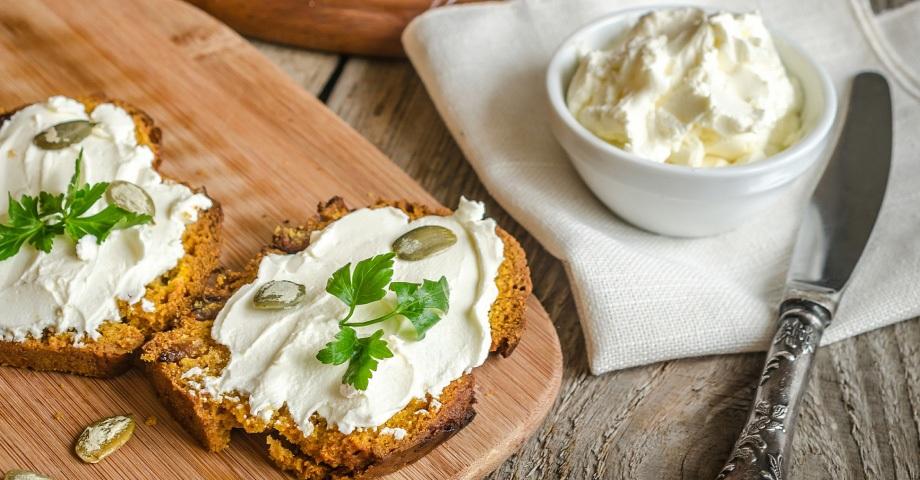 طرز تهیه پنیر لبنه خوشمزه در منزل + ارزش غذایی این پنیر برای سلامت بدن