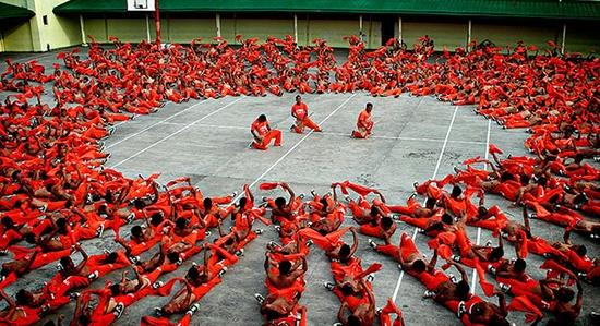 غیرمعمول و عجیبترین زندانهای دنیا + تصاویر