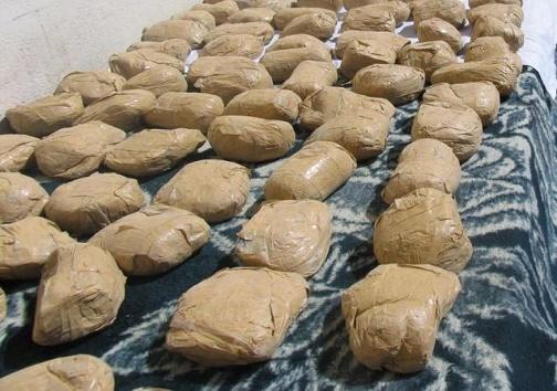 قاچاق مواد مخدر با کوله / کشف ۱۴ پراید مسروقه طی ۴۸ ساعت گذشته