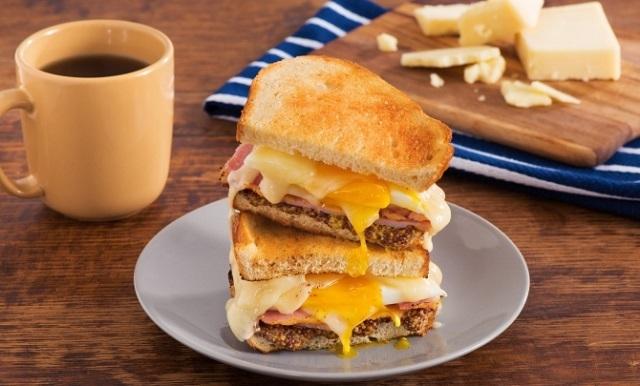 طرز تهیه ساندویچ پنیر کبابی در فر و تابه ب؛ خوشمزه و پرطرفدار