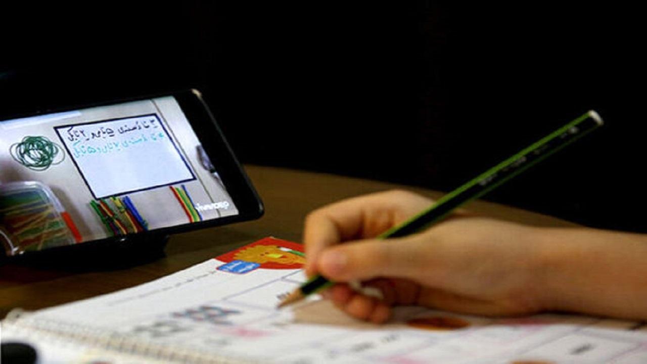 کرونا خطوط قرمز آموزش را رد کرد/ نگرانی والدین از آسیبهای آموزش آنلاین برای نوجوانان