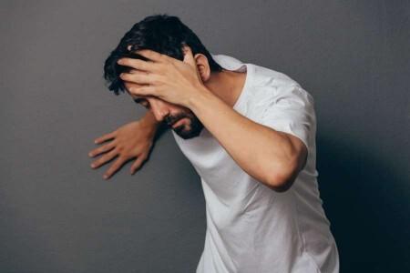 سرگیجه و حالت تهوع؛ چه زمانی باید به پزشک مراجعه کنیم؟