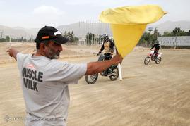 تمرین موتور سواران کراس در پیست آزادی