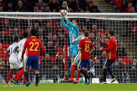 دیدار تیم های فوتبال انگلیس و اسپانیا