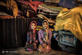 کودکان مجبورند برای تحصیل به روستاهای اطراف بروند. آنها مجبورند برای تحصیل روزانه 12 کیلومتر پیاده روی کنند.