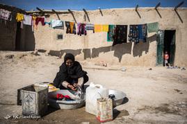 مردم در این منطقه از امکانات رفاهی مناسبی بهره مند نیستند و زندگی مناسبی ندارند.