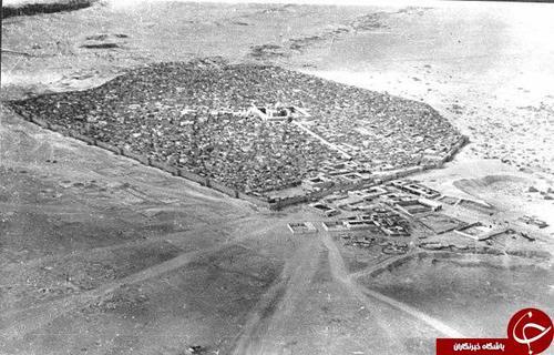 عکس هوایی از شهر نجف اشرف در حدود یکصد سال قبل و مرقد مطهر امام علی (ع) در مرکز آن