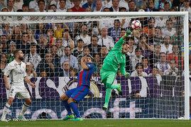 دیدار تیمهای فوتبال رئال مادرید و بارسلونا