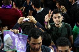 شادی مردم تبریز پس از اعلام نتایج انتخابات ریاست جمهوری 96