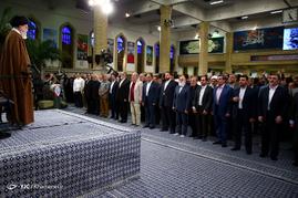 مراسم شب خاطره دفاع مقدس با حضور رهبر معظم انقلاب