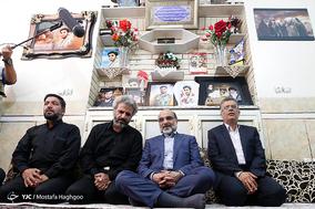 حضور رئیس رسانه ملی در منزل شهید محسن حججی