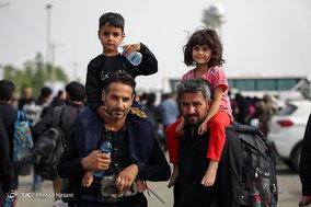 بازگشت زائران اربعین حسینی به ایران از مرز مهران