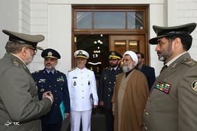 دیدار فرماندهان ارتش جمهوری اسلامی ایران با رئیس مجلس شورای اسلامی