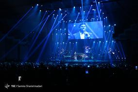 کنسرت محمد علیزاده در سی و سومین جشنواره موسیقی فجر