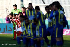 دیدار تیم های فوتبال پرسپولیس و گسترش فولاد
