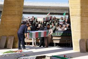 مراسم تشییع و تدفین دو شهید گمنام دفاع مقدس در شیراز