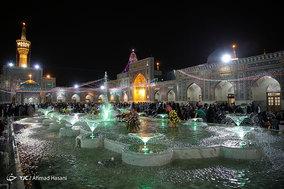 حال و هوای حرم مطهر امام رضا (ع) در شب مبعث پیامبر رحمت
