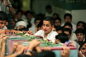 وداع با پیکرهای دو شهید گمنام دفاع مقدس در مراسم معنوی اعتکاف جوانان مشهد