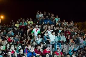 تماشای دیدار تیم های فوتبال ایران و اسپانیا در بام همدان