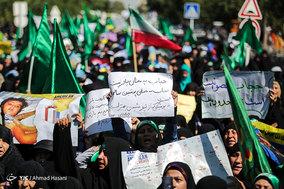 راهپیمایی مردم مشهد به مناسبت روز عفاف و حجاب