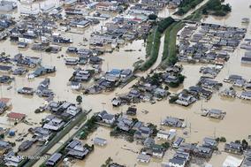 سیل و رانش زمین در غرب ژاپن