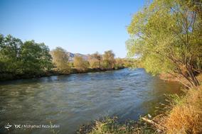 جاری شدن آب در زاینده رود