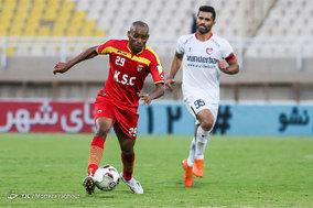 دیدار تیم های فوتبال فولاد خوزستان و سپید رود رشت