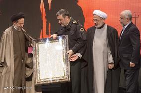 تقدیر از سردار حسین اشتری، فرمانده کل ناجا در اختتامیه اولین جشنواره «شاهدان حقیقت»