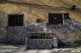 ماسوله نیز از گزند دیوارنویسی در امان نیست. اگرچه اغلب دیوارهای بناها در ماسوله کاهگلیاند، اما برخورد با دیوارنویسیهای متعدد در این شهر اصلا دور از ذهن نیست.