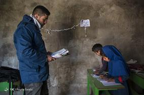 شکیلا کاظمی و عادل کاظمی دو دانش آموز پایه ی چهارم کلاسِ علیرضا میباشند که با یکدیگر رقابت زیادی دارند. 29 بهمن 1397