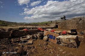 دُمرود؛ روستای به گِل نشسته