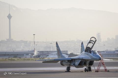 رژه تمرینی جنگنده بمبافکنهای نیروی هوایی ارتش جمهوری اسلامی ایران پیش از روز ارتش