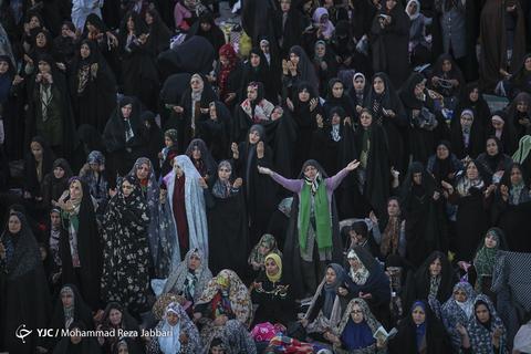 مراسم احیاء، جشن و نورافشانی میلاد حضرت امام مهدی(عج) در شب نیمه شعبان در مسجد مقدس جمکران