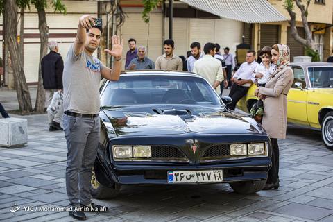 گردهمایی خودروهای کلاسیک و امدادی در همدان